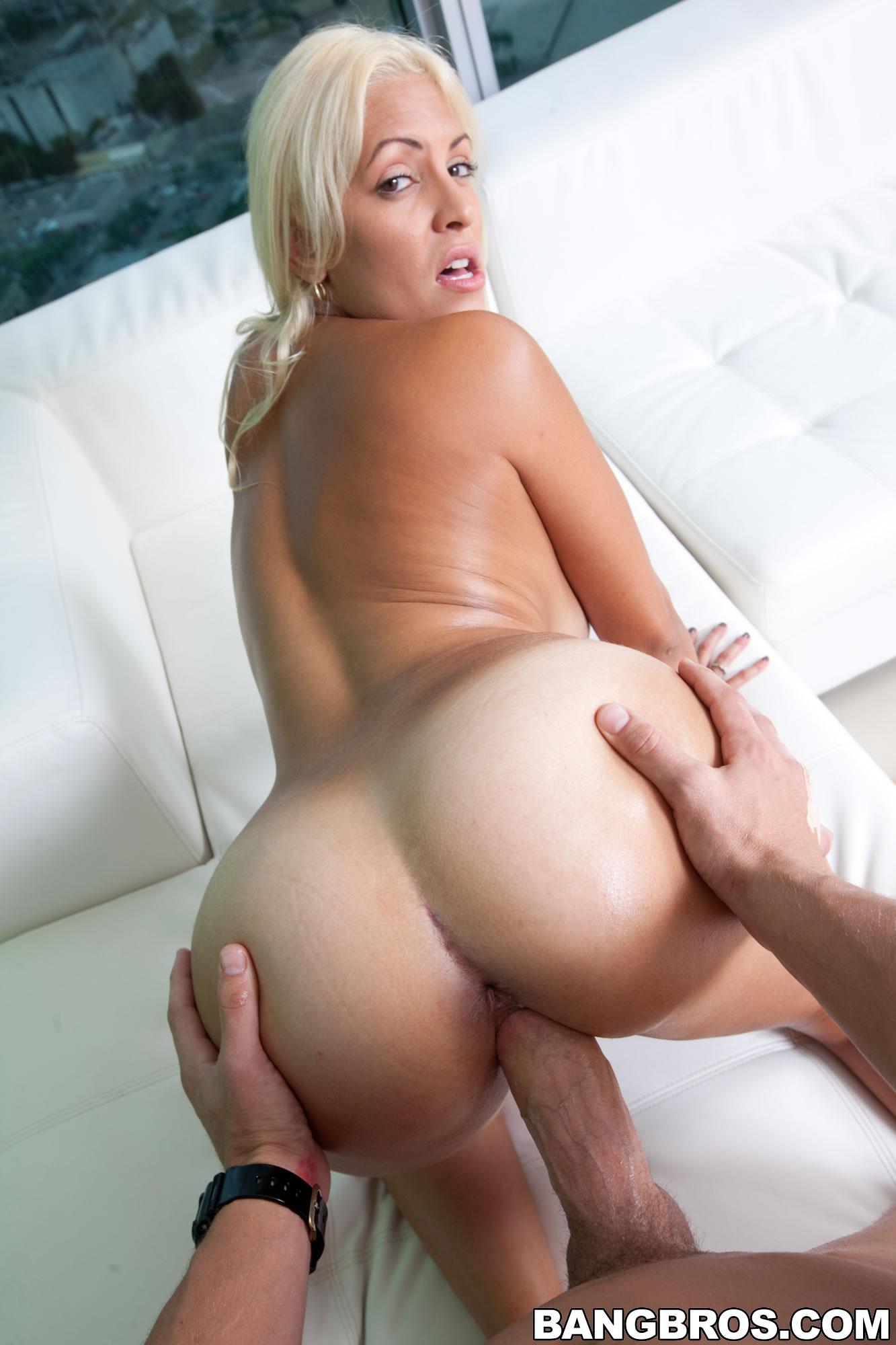 round ass big tits